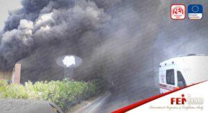 Elektrik Kontağından Çıkan Yangın Kafeyi Adeta Kül Etti